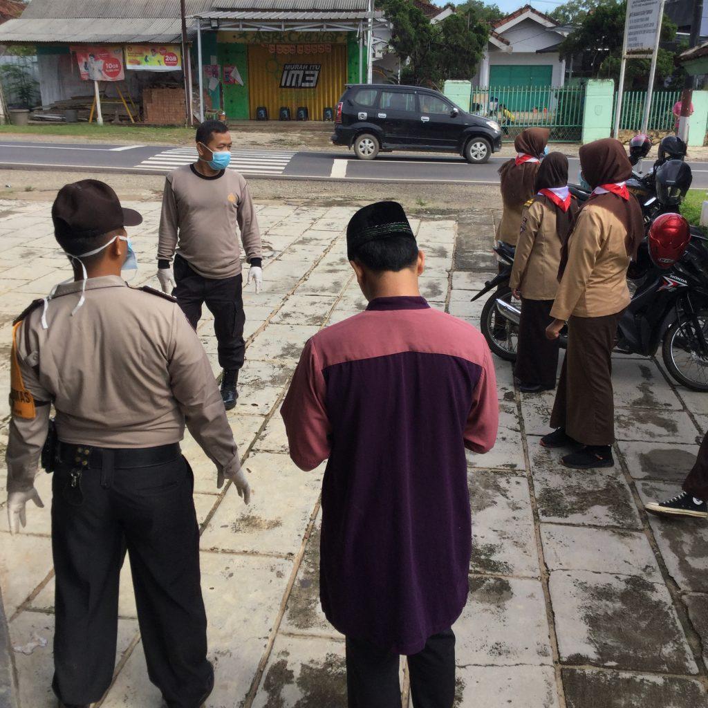 Penyuluhan dari kepolisisan mengenai COVID19